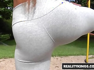 RealityKings Mike in Brazil Brenda, Tony Tigrao Work It Out
