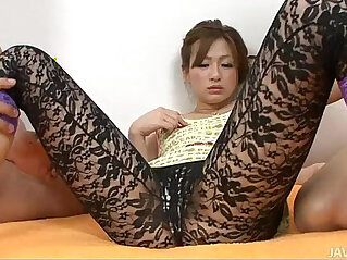 Japanese Slut Yukina Momose Banged by Two Dicks