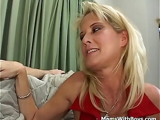 Mature Mom Sex Comfort For Kicked Out Boy Full porn Movie